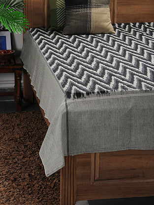 Black-Grey Ikat Cotton Double Bedcover ( 106in x 89in)