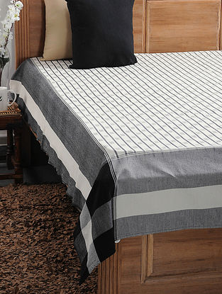 Black and White Ikat Cotton Double Bedcover (108in x 89in)