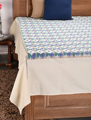White and Blue Handloom Ikat Cotton Double Bedcover (112in x 90in)