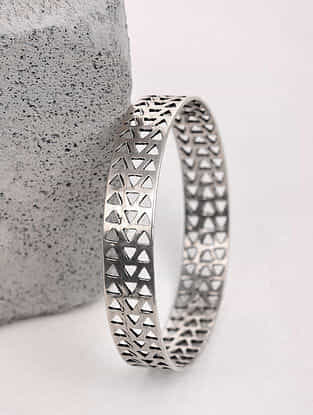 Tribal Silver Bangle (Bangle Size: 2/9)