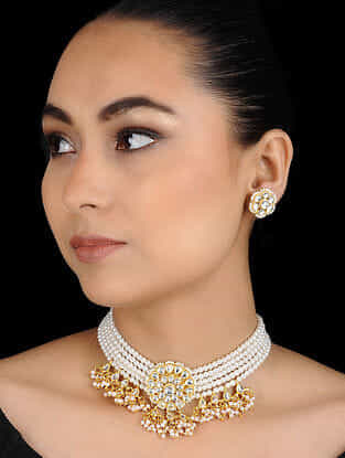 White Gold Tone Pearl Kundan Inspired Choker Necklace with Earrings (Set of 2)