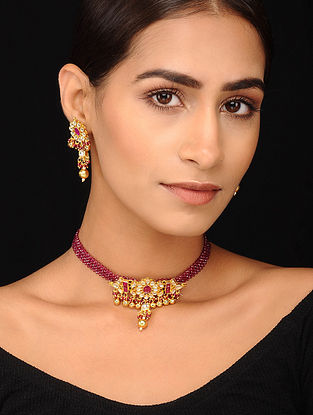Maroon Gold Tone Pearl Beaded Kundan Necklace with Earrings (Set of 2)