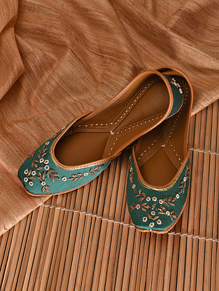 Emerald green Embroidered Leather Jutti