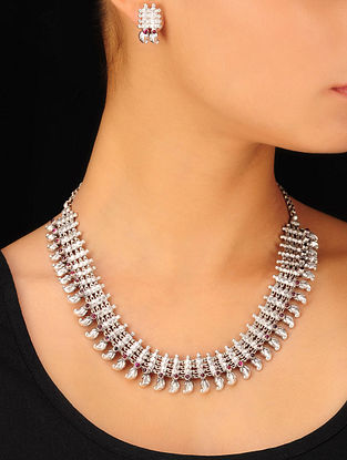Classic Bold Silver Silver Necklace & Pair of Earrings