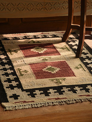 Beige-Multicolor Handmade Wool Kilim Rug (4ft x 2.8ft)