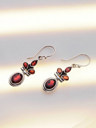 Silver Earrings with Garnet
