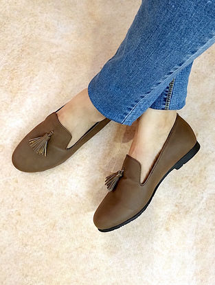 Brown Handcrafted Loafers with Tassels