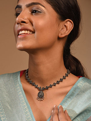 Kempstone Encrusted Temple Silver Necklace