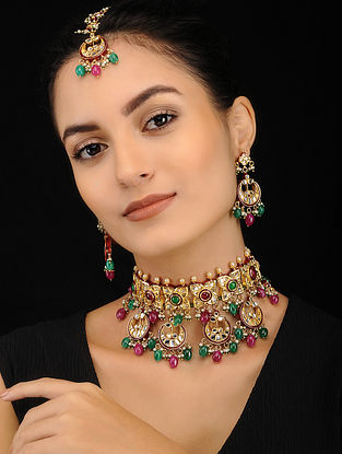 Maroon Green Gold Tone Kundan Necklace with Earrings and Maang Tikka (Set of 3)