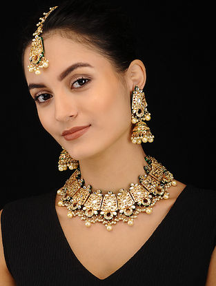 Gold Tone Kundan Pearl Beaded Necklace with Earrings and Maang Tikka (Set of 3)