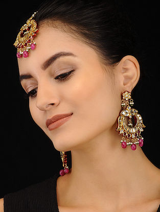 Maroon Gold Tone Kundan Earrings and Maang Tikka (Set of 2)