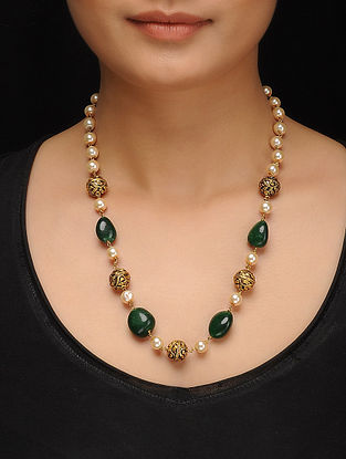 Green Gold Tone Pearls Necklace