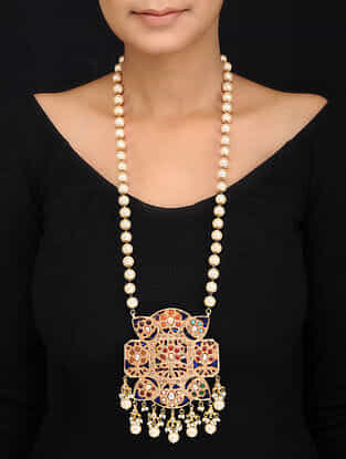 Blue Gold Tone Shell Pearls and Jadau Pendant Necklace