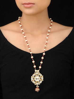 White-Red Gold Tone Polki and Pearl Beaded Pendant Necklace