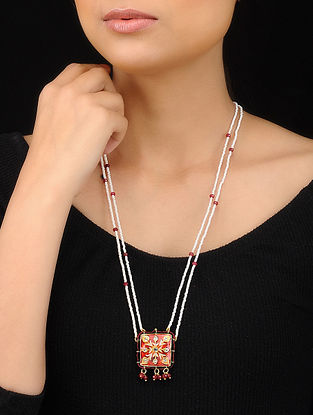 Red-White Gold Tone Meenakari and Pearl Beaded Pendant Necklace