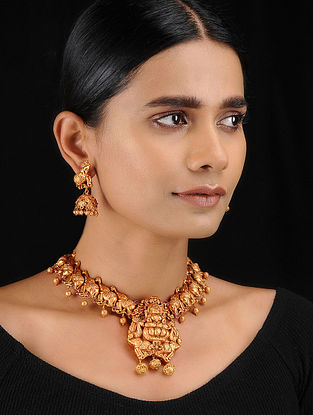 Red Gold Tone Temple Work Necklace with Stud Earrings (Set of 2)