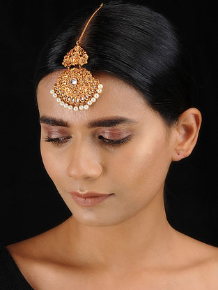 Classic Gold Tone Temple Work Maang Tikka with Pearls