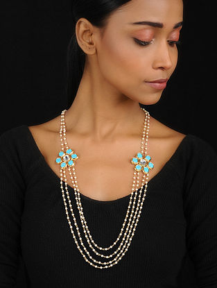 Turquoise-White Pendant Necklace with Pearls