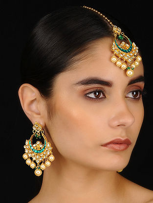 Green Gold Tone Kundan Inspired Earrings With Maang Tikka(Set of 2)