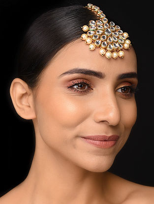 Gold Tone Maang Tikka with Pearls