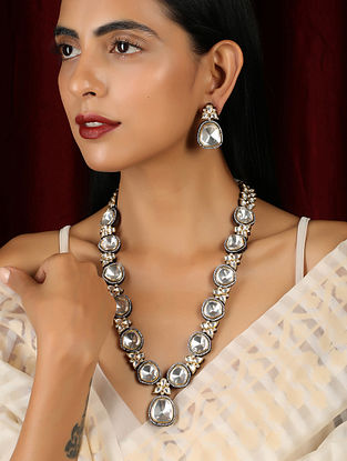 Dual Tone Kundan Necklace with Earrings (Set of 2)