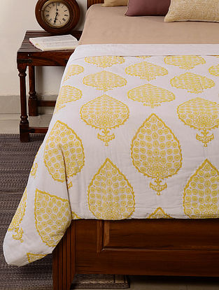 Leaf-Floral White-Yellow Quilt 102in x 90in