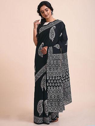 Black-White Block Printed Mul Cotton Saree