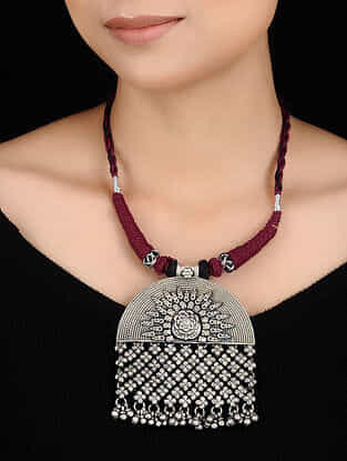 Maroon-Black Thread Tribal Silver Necklace with Floral Design