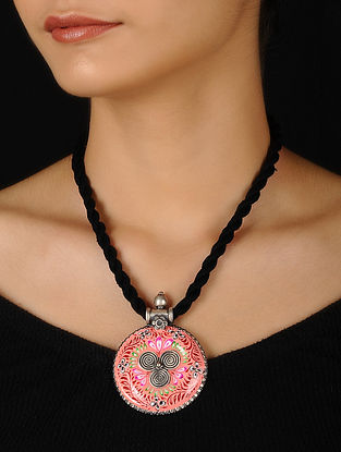 Pink-Red Enameled Silver Thread Necklace