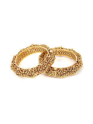 Gold Plated Kundan Handcrafted Hinged Bangles (Bangle Size: 2) (Set of 2)