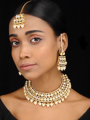 Classic Gold Tone Kundan Inspired Choker Necklace with Earrings and Maang Tikka (Set of 3)
