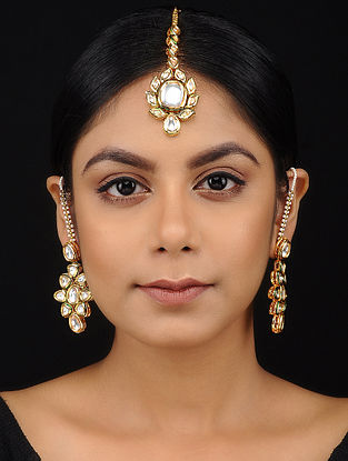 Classic Gold Tone Kundan Inspired Maang Tikka with Earrings (Set of 2)