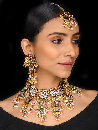 Gold Tone Kundan Necklace with Earrings and Maang Tikka (Set of 3)