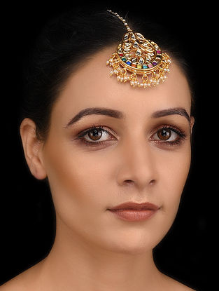 Multicolored Gold Tone Kundan Maang Tikka with Pearls