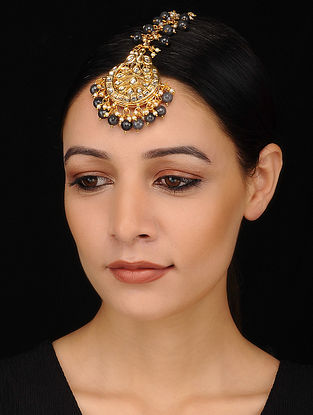 Black Gold Tone Kundan Maang Tikka with Pearls