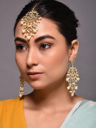 Gold Tone Kundan Earrings with Maang Tikka