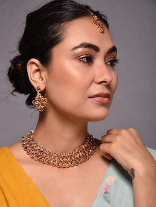 Gold Tone Kundan Inspired Necklace with Earrings and Maang Tikka