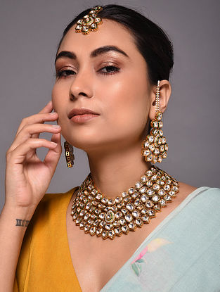 Gold Tone Kundan Necklace with Earrings and Maang Tikka