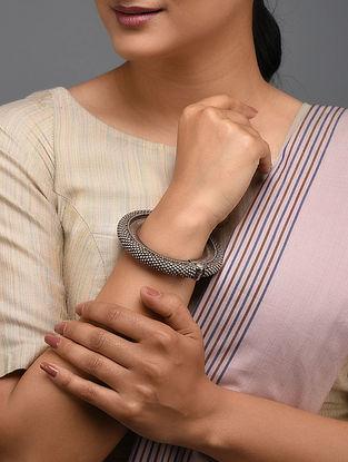 Tribal Silver Hinged Bangle (Bangle Size: 2/1)