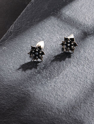Tribal Silver Stud Earrings with Freshwater Pearls