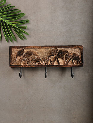 Elephants Brown Handcrafted Mango Wood and Iron key hook (6.2in x 14.6in)