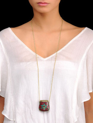 Coal-Red Bold Pendant Necklace