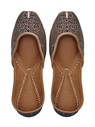 Brown Handcrafted Cotton Jutti