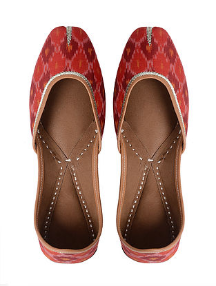 Red Handcrafted Cotton Jutti