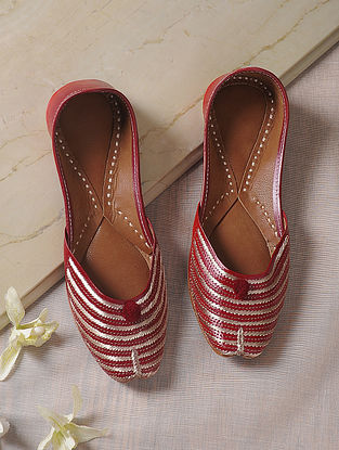 Red Tilla-Embroidered Leather Juttis