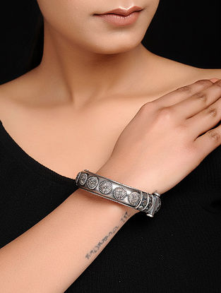 Hinged Opening Tribal Silver Bangle (Bangle Size - 2/10)