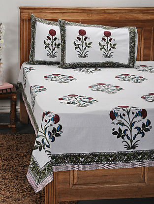 White and Red Handblock Printed Cotton Double Bedcover with Pillow Covers (Set of 3)