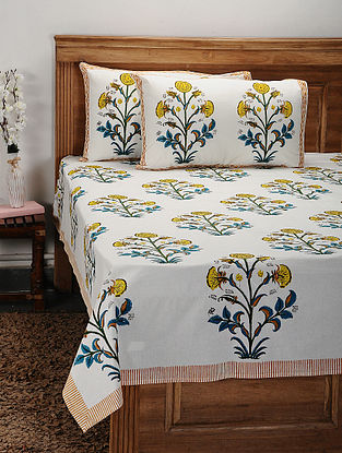 White and Yellow Handblock Printed Cotton Double Bedcover with Pillow Covers (Set of 3)