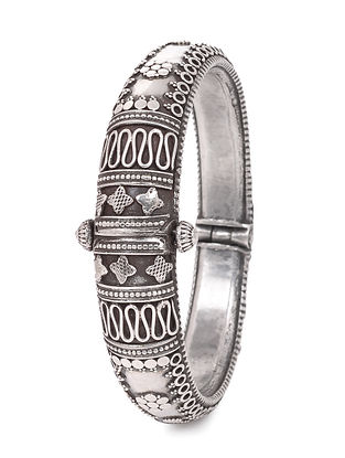 Hinged Opening Tribal Silver Bangle (Bangle Size -2/14)