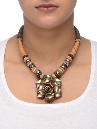 Peach-Brown Thread Silver Necklace with Floral Design